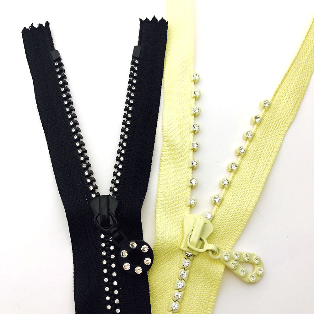 comparison-between-old-and-new-style-rhinestone-zipper