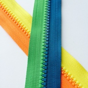 derlin-zipper-contrast-color2